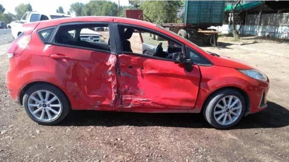 El Ford Fiesta involucrado en el accidente. Foto: Facebook NotivimeFederalpaginasolodenoticias