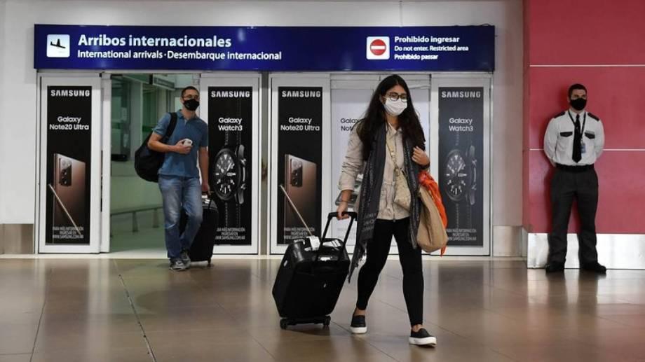 Detectaron que el 38% de quienes ingresan al país no cumple la cuarentena obligatoria.