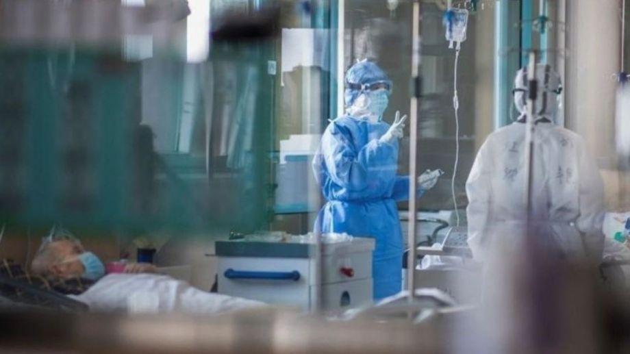 Argentina alcanzó su pico de casos con casi 21.000 contagios en las últimas 24 horas.
