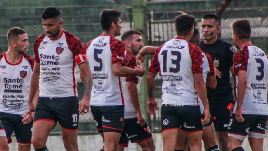 Una expulsión y un gol en offside perjudicaron a Fadep. (Foto: Prensa Fadep)