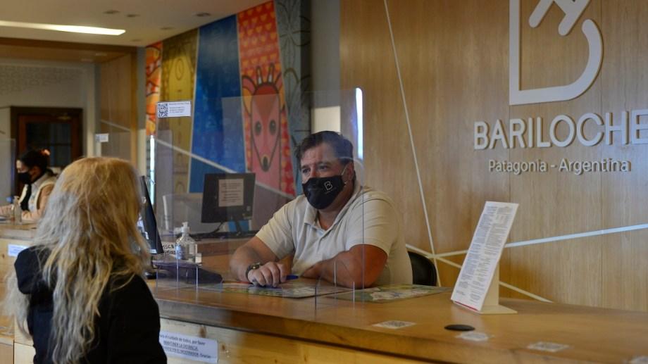 La mayoría de los trabajadores de la Municipalidad de Bariloche cumple con trabajo presencial. Foto: Alfredo Leiva