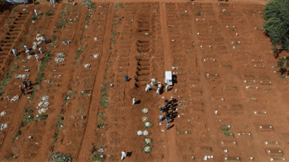 El cementerio en Vila Formosa, San Pablo. Foto: AP