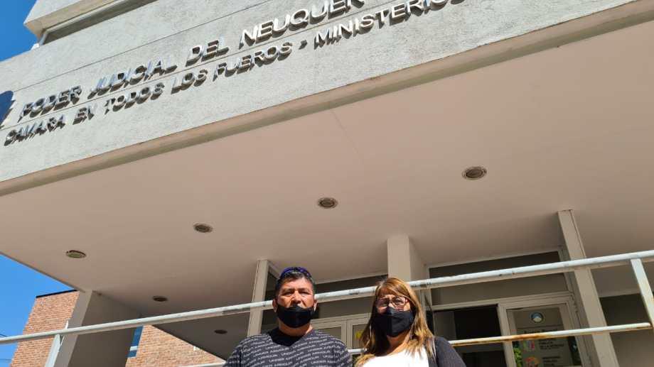 Luis y Gabi, los padres del agente Nahuelcar (Foto: archivo)