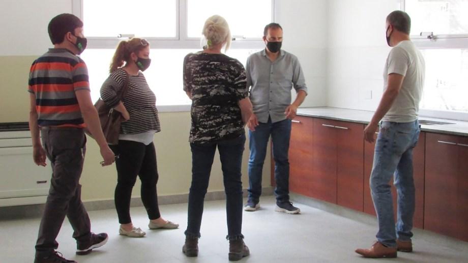 Después de seis años, los alumnos y docentes volverán al edificio de la escuela 232 de Ingeniero Huergo. (Foto Néstor Salas)