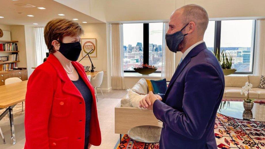 Georgieva y Guzmán se vieron las caras en las oficinas del FMI en Washington.