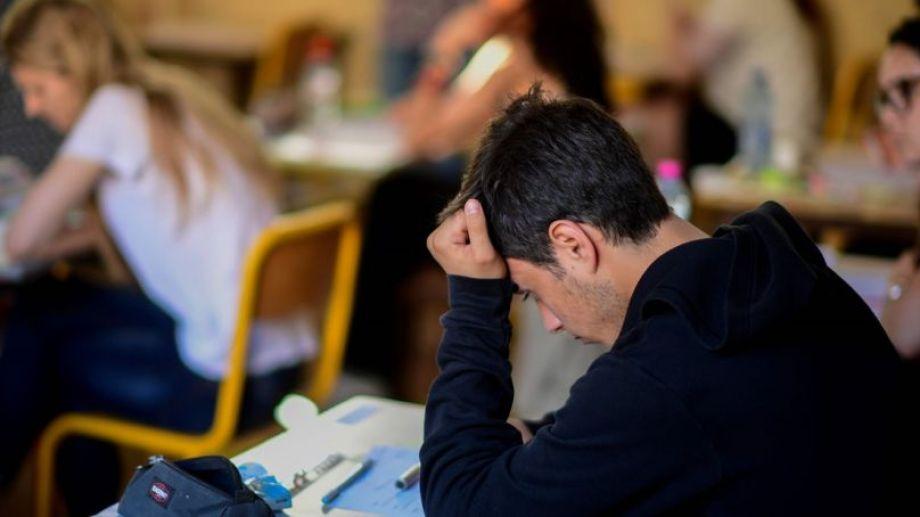El objetivo de la beca es promover el avance y la conclusión en los estudios.-