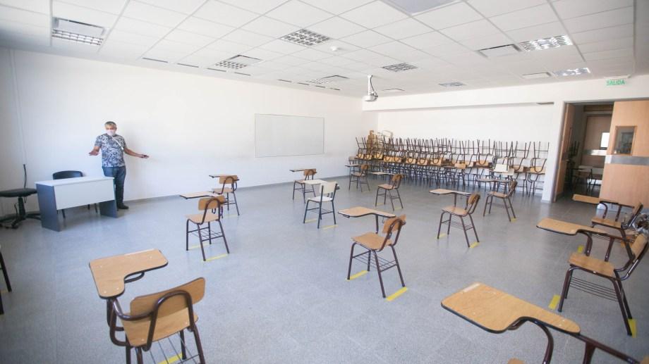 Las aulas en la Universidad Nacional de Río Negro (sede Roca), donde a principio de año se implementaron medidas para el retorno a cursadas. (Foto: Juan Thomes)
