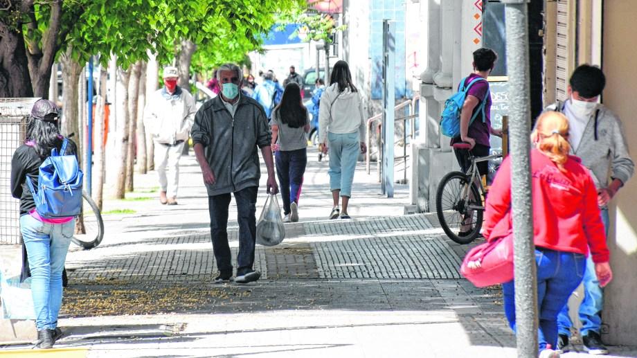 El uso obligatorio del tapabocas fue una de las medidas tomadas durante la emergencia. Foto: Florencia Salto.