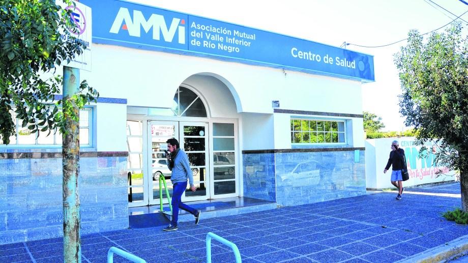 El Centro de Salud de AMVI en Viedma. Esta mutual advierte que si continúa el desfasaje se complica mantener ese servicio. Foto: Marcelo Ochoa.
