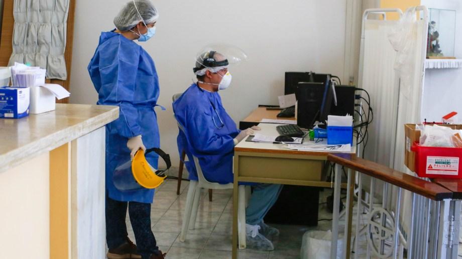 Los pacientes activos volvieron a quedar por encima de los 1.400 (Juan Thomes)