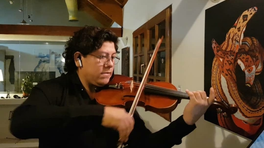 Mauricio Aramayo se unió al proyecto hace un mes y ya dio más de 50 conciertos.