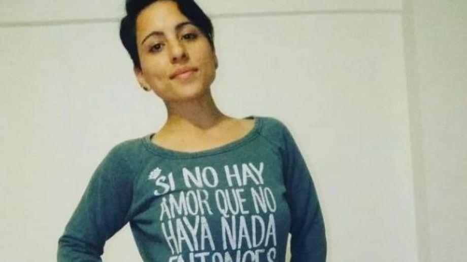 Sol, la joven oficial que murió de un disparo en la cabeza. El novio, sospechoso detenido, asegura que se suicidó, pero la hipótesis de la familia es el femicidio.