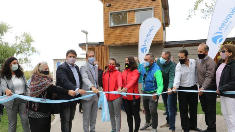 Autoridades provinciales y municipales inauguraron la casa de los guardavidas en el otoño (gentileza)