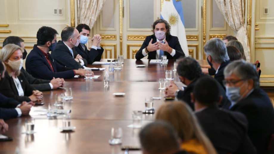 La reunión con los dirigentes rionegrinos del oficialismo nacional se hizo en el Salón Sur de Casa Rosada.