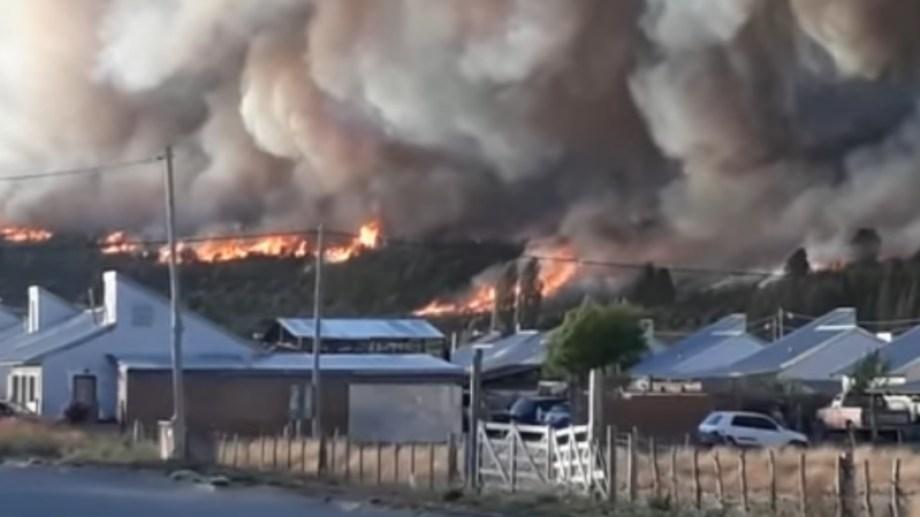 Las dantescas imágenes del incendio en Cholila.