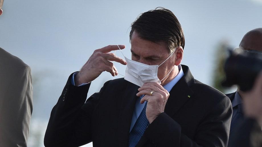 Bolsonaro anunció un comité nacional junto con el Congreso y el Tribunal Supremo para combatir la pandemia de coronavirus.