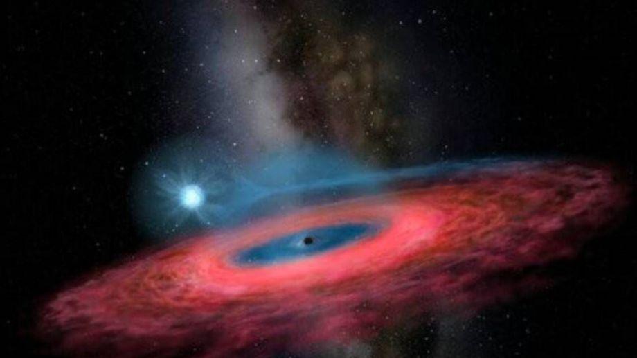Hasta el momento, solo se conocían dos tipos de agujeros negros: los estelares y los supermasivos.-