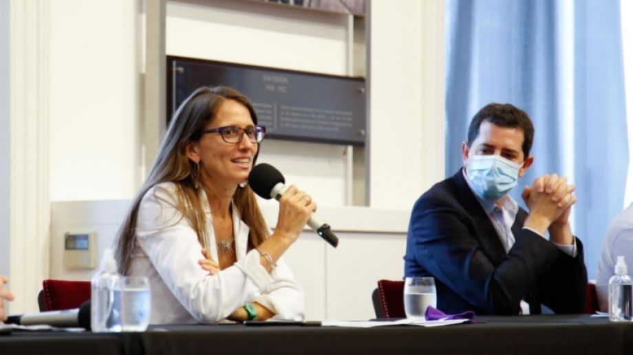 La ministra Gómez Alcorta hizo el anuncio esta tarde, en compañía de otros ministerios involucrados. Foto: Presidencia de la Nación.-