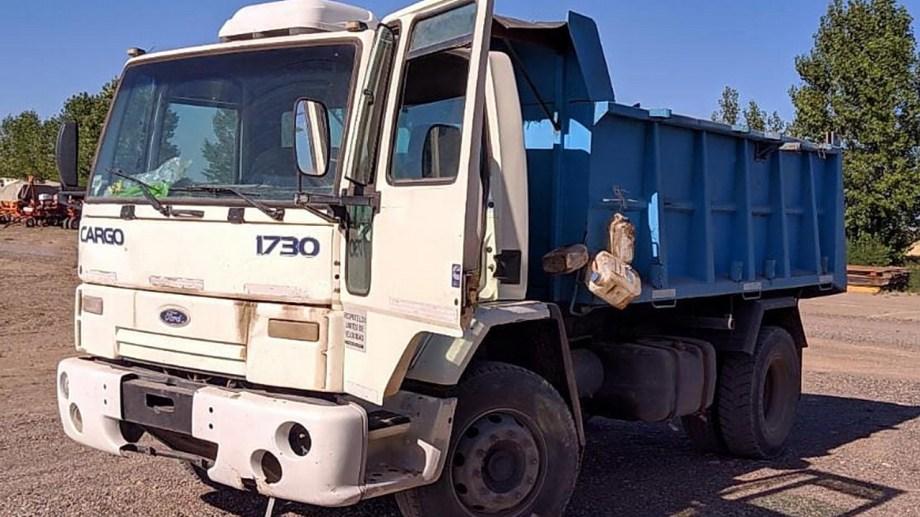 El camión fue recuperado en la zona rural de Colonia Lapín en la provincia de Buenos Aires. (Foto Néstor Salas)
