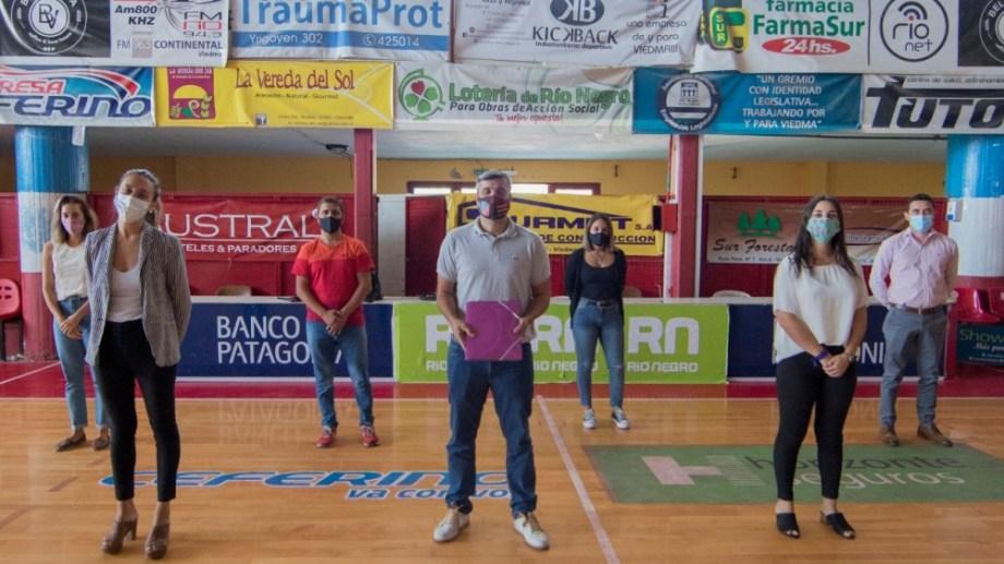 Así se presentó el Área de Géneros e Inclusión en Deportivo Viedma. Foto: Marcos Aramburu, prensa Viedma