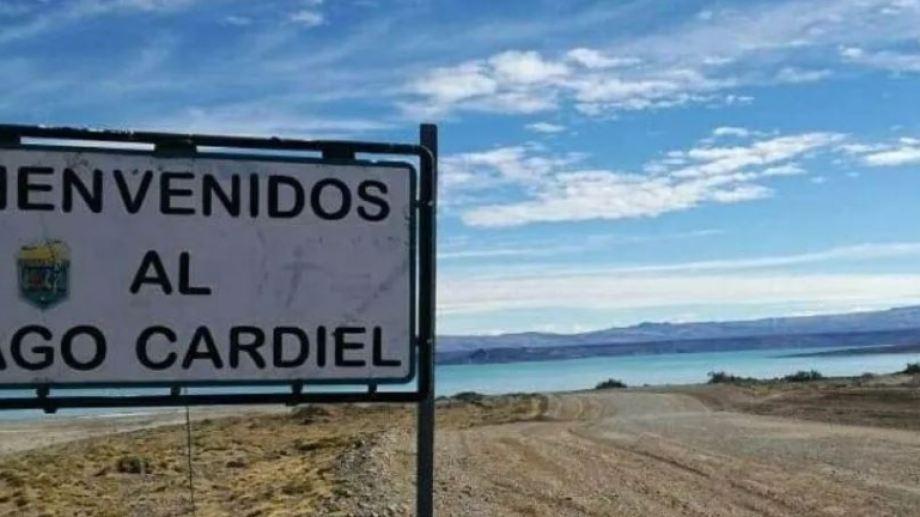 Un temporal en el lago Cardiel desató la tragedia que terminó con la vida de los kayakistas. (Gentileza).-