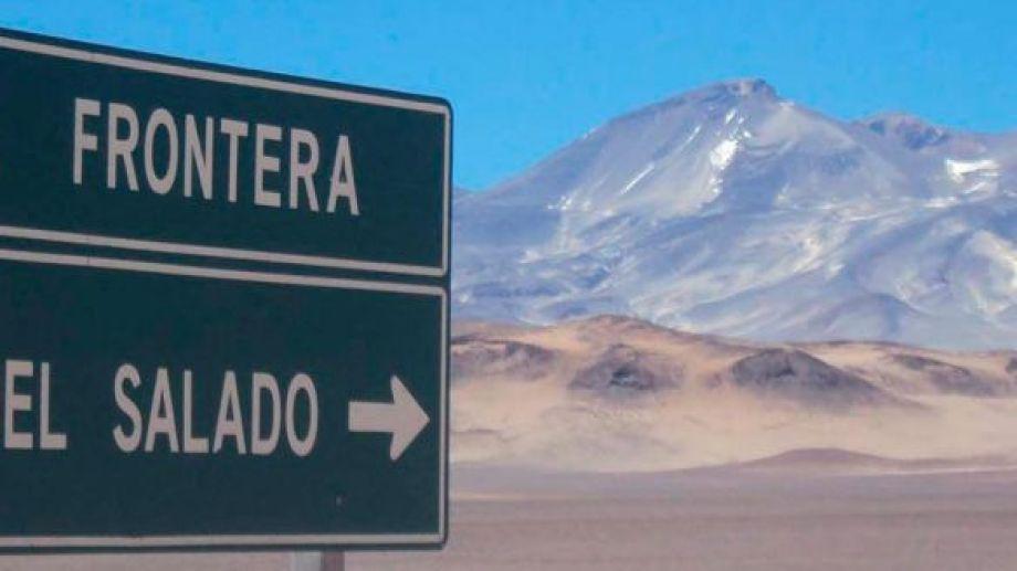 El volcán Ojos del Salado se encuentra en la Cordillera de los Andes, justo en el límite entre Argentina y Chile, en la zona catamarqueña.-