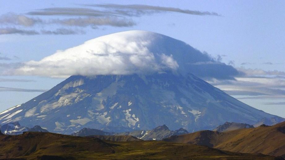 Con más visitantes que intentan hacer cumbre en el volcán Lanín, también hay más accidentes: se cuentan veinte en lo que va de la temporada. Foto: Patricio Rodríguez.