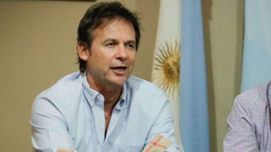 Costa fue marido de Mariana Zuvis. Además, es dueño de la firma Hipertehuelche.-