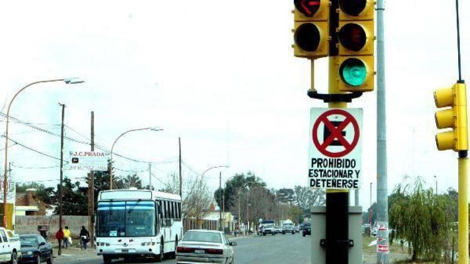 Penizotto armó un semáforo con los aspectos clave de la economía actual. (Archivo).-