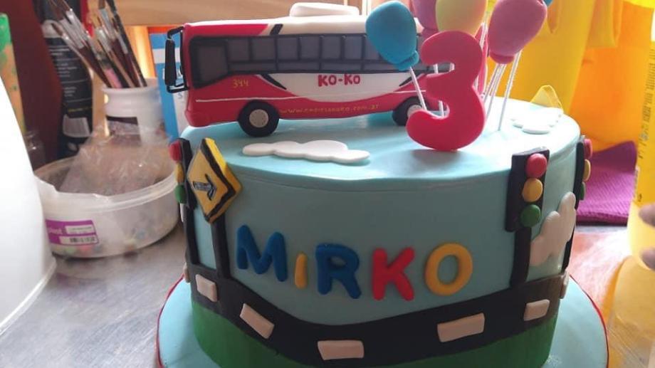 La particular torta pedida por Mirko. Fotos: gentileza