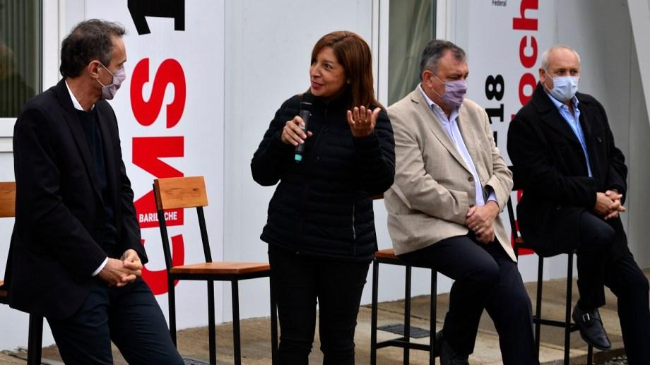 La gobernadora Arabela Carreras volvió a Bariloche ayer y ratificó que no habrá cierres de actividades económicas. Archivo
