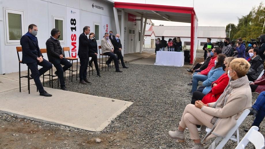 El ministro de Obras Públicas de Nación, Gabriel Katopodis, recorrió las instalaciones del hospital modular de Bariloche. Foto: Alfredo Leiva