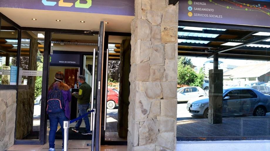 La CEB tiene un viejo reclamo irresuelto con la municipalidad de Bariloche. Archivo