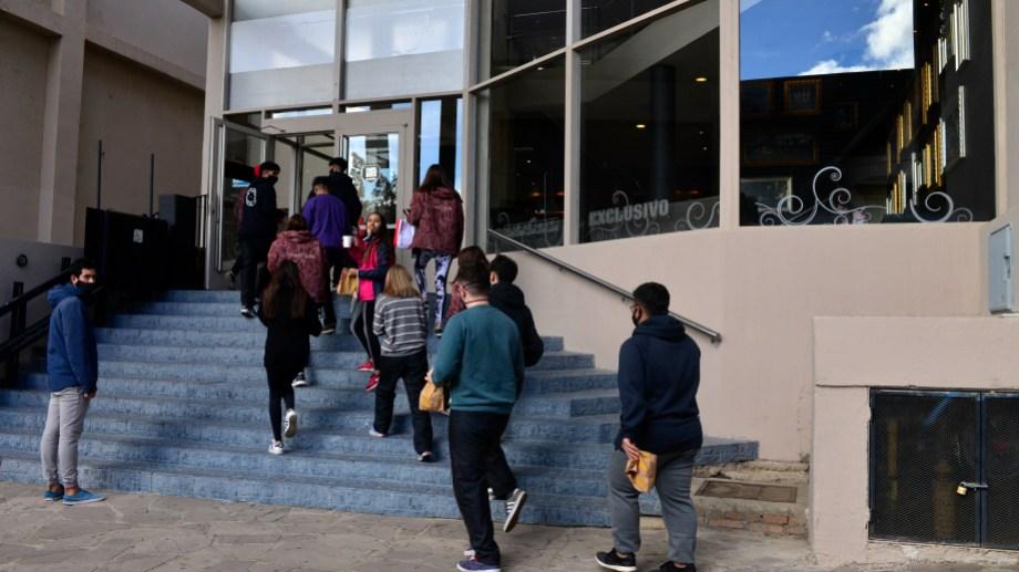 Plantean que unos 1.800 trabajadores temporarios se ven afectados por la suspensión de los viajes estudiantiles. Foto: archivo