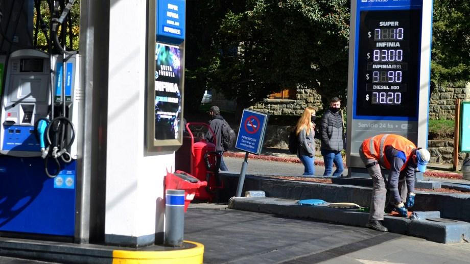 Solo venderán combustible en bidones homologados, informaron desde el municipio. Foto: archivo