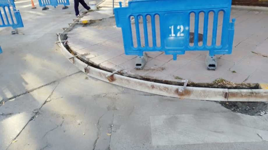 En la esquina de Belgrano y Tucumán se completaron nueve metros de cordón.