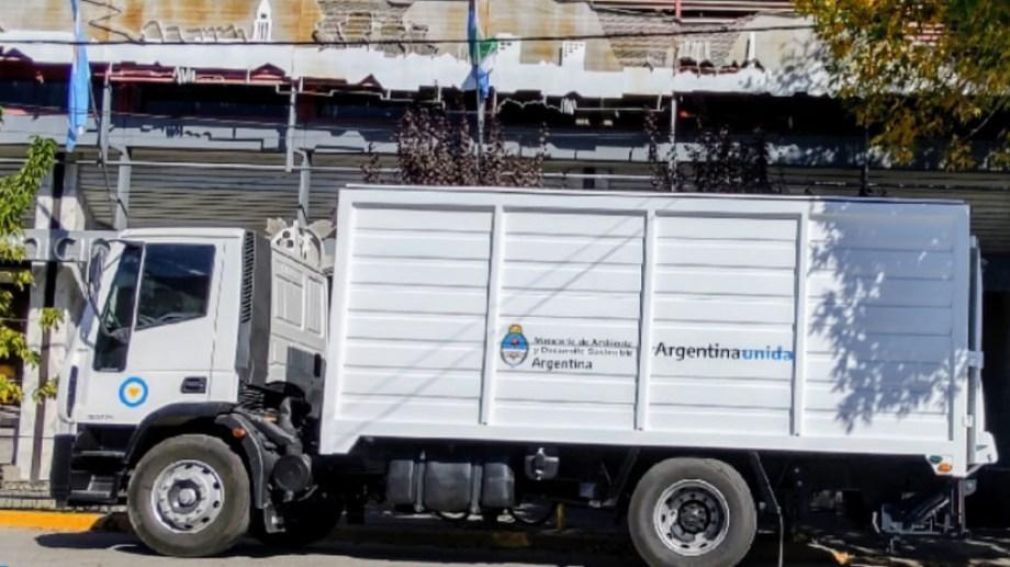 Con la entrega del camión se completó el equipamiento previsto para el municipio de Regina.