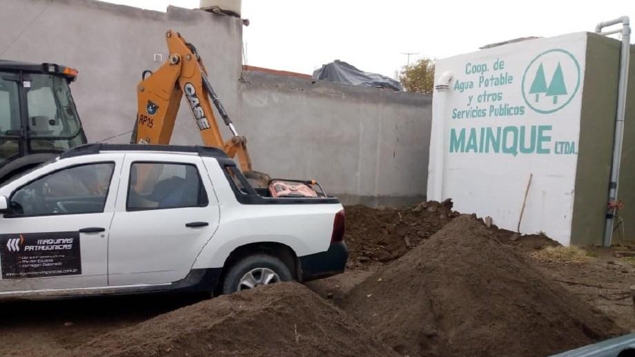 La Cooperativa de Agua realiza la provisión del servicio a los vecinos de Mainqué.