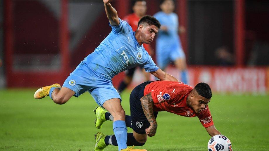 El Tuti y otro gol inolvidable en la Sudamericana. (Foto: @Sudamericana)