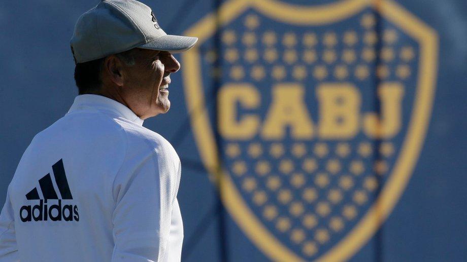 Miguel Russo arma el rompecabezas xeneize para debutar el miércoles en la Libertadores.