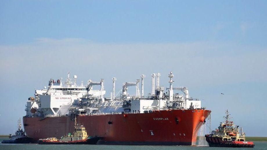 El funcionamiento del barco regasificador de Escobar es clave para el abastecimiento gas en el país.