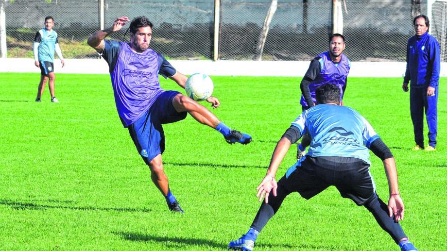 Últimos entrenamientos del  Albiceleste con vistas al debut del domingo contra Ferro de General Pico. Será local en Patagones.