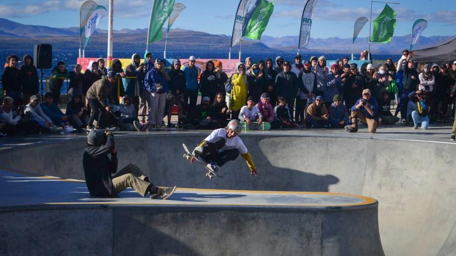 Unos 125 participantes de todo el país se sumaron este fin de semana al skate park de Bariloche. Foto: Marcelo Martínez