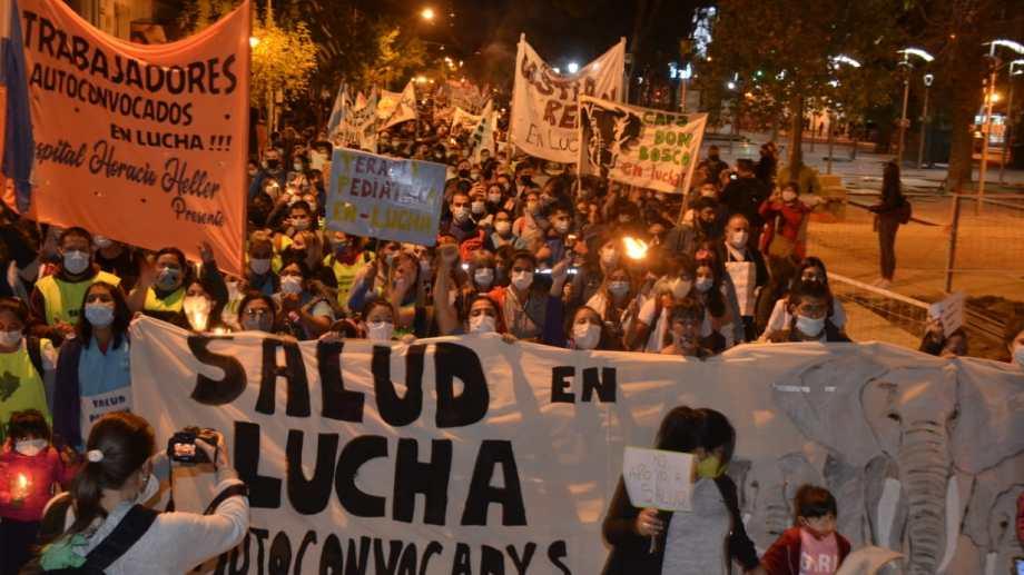 La marcha en Neuquén capital. Foto: Yamil Regules