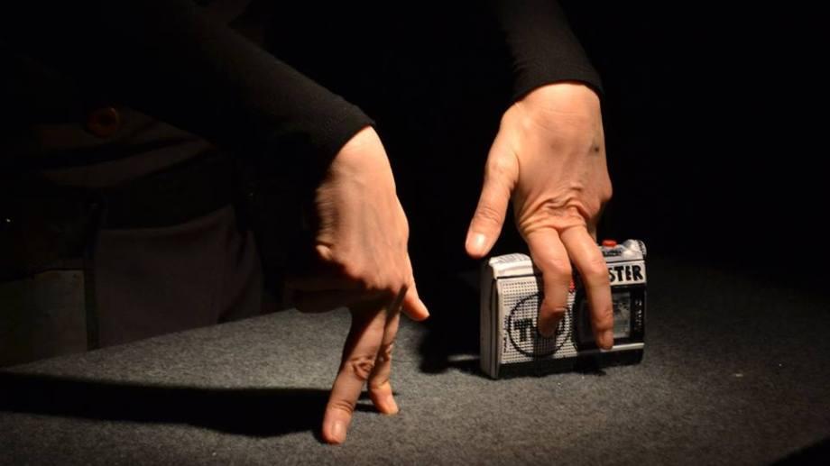 """La muy original """"Quster"""", teatro de objetos basado en el cómic de Carlos Trillo que llevan a escena los reginenses del Grupo Q."""