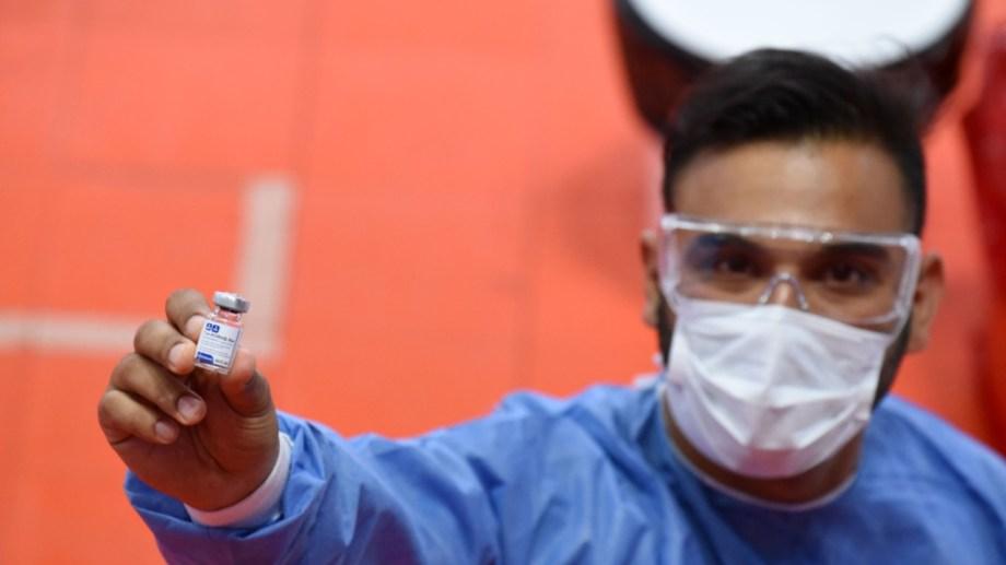 Llegaron nuevas dosis de la vacuna china a Neuquén. Foto: Florencia Salto