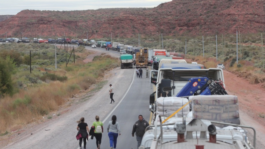 Salud comenzó a cortar las rutas de manera ininterrumpida el miércoles a la madrugada. (Archivo Oscar Livera)