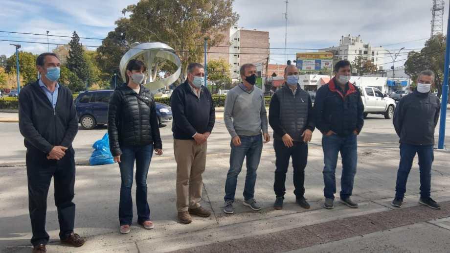 El senador De Angeli se reunió con partidarios locales y dirigentes del PRO en el centro de Roca.