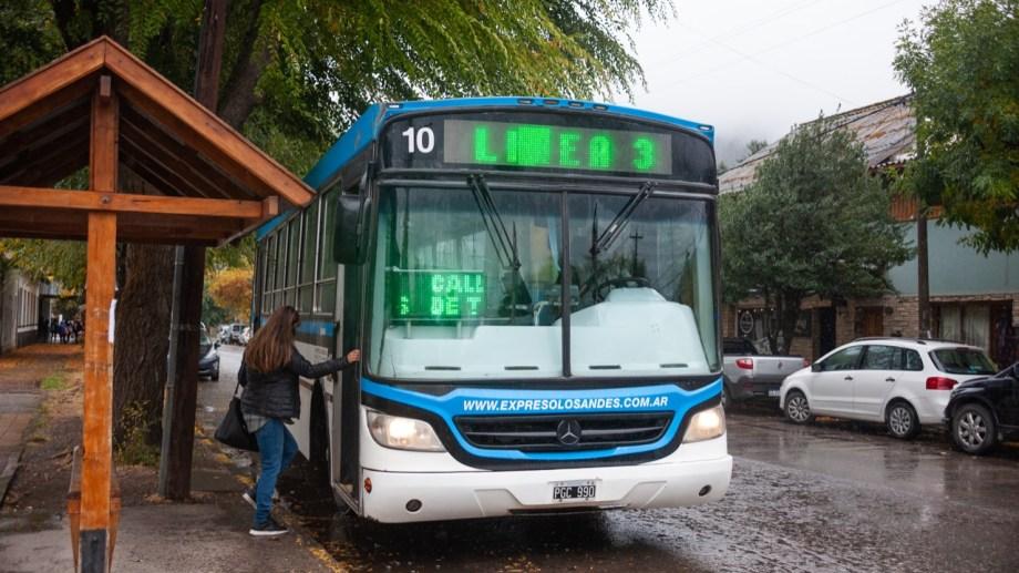 El valor del boleto y la futura licitación del transporte en San Martín de los Andes, están en agenda. Archivo