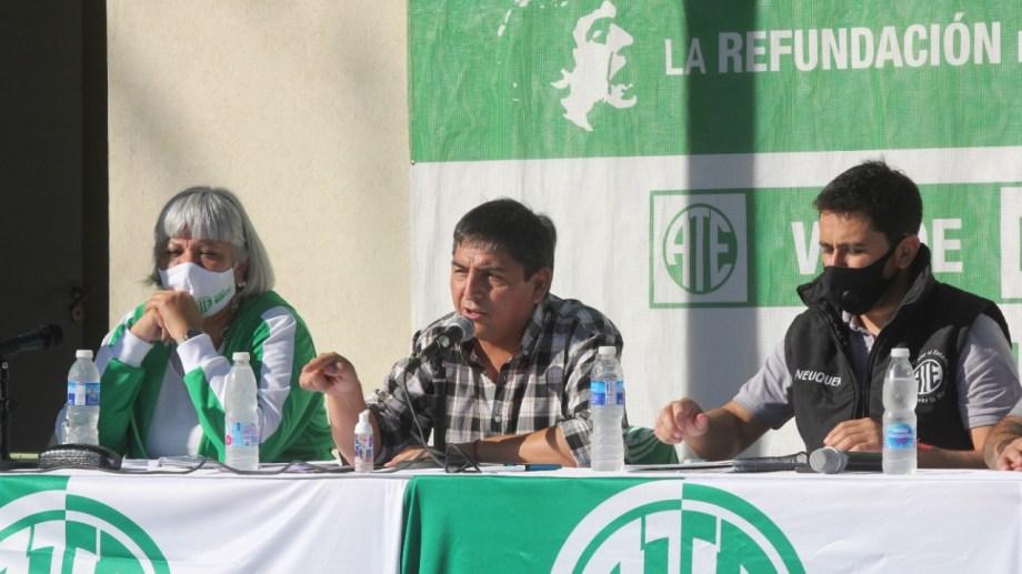 El titular de ATE Neuquén encabezó el plenario provincial. Foto: Oscar Livera.